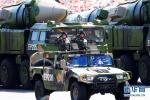 这是核常兼备导弹方队通过天安门广场。新华社记者金立旺摄